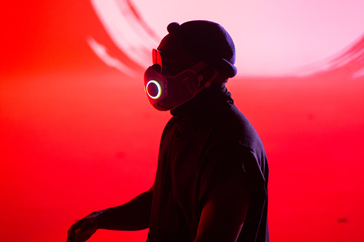 picture of will.i.am dancing wearing the XUPERMASK